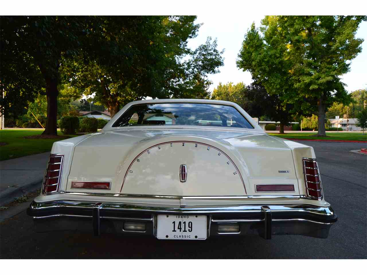 Large Picture of '78 Continental Mark V - LY8Z