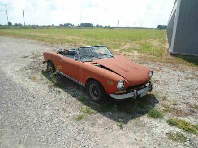 Picture of Classic '73 Fiat 124 located in Illinois Offered by  - LYE2