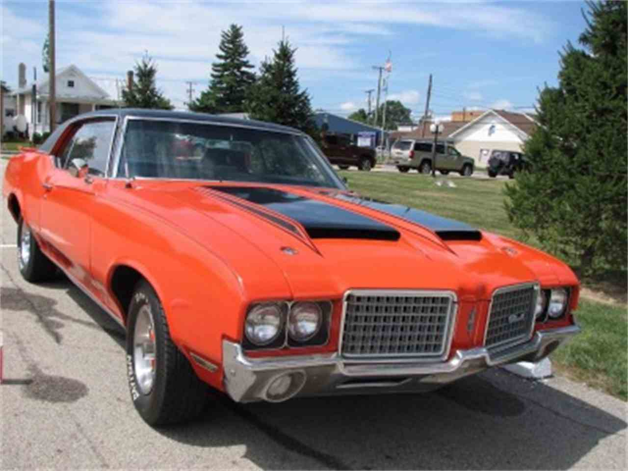 Large Picture of '72 Oldsmobile Cutlass Offered by North Shore Classics - LVDV
