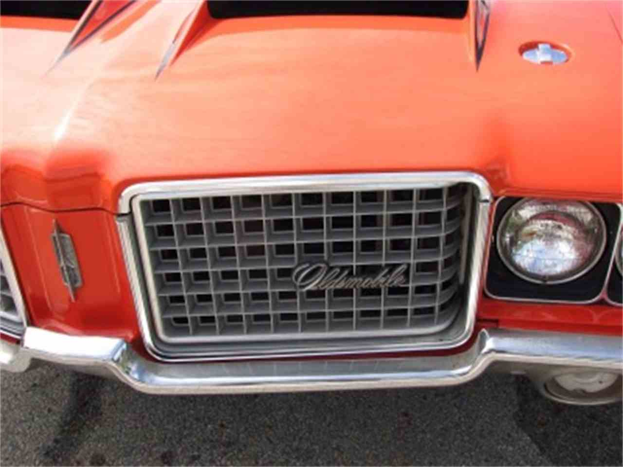 Large Picture of Classic 1972 Oldsmobile Cutlass located in Palatine Illinois Offered by North Shore Classics - LVDV