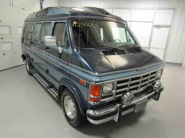 Picture of '91 Ram Van - LYNV