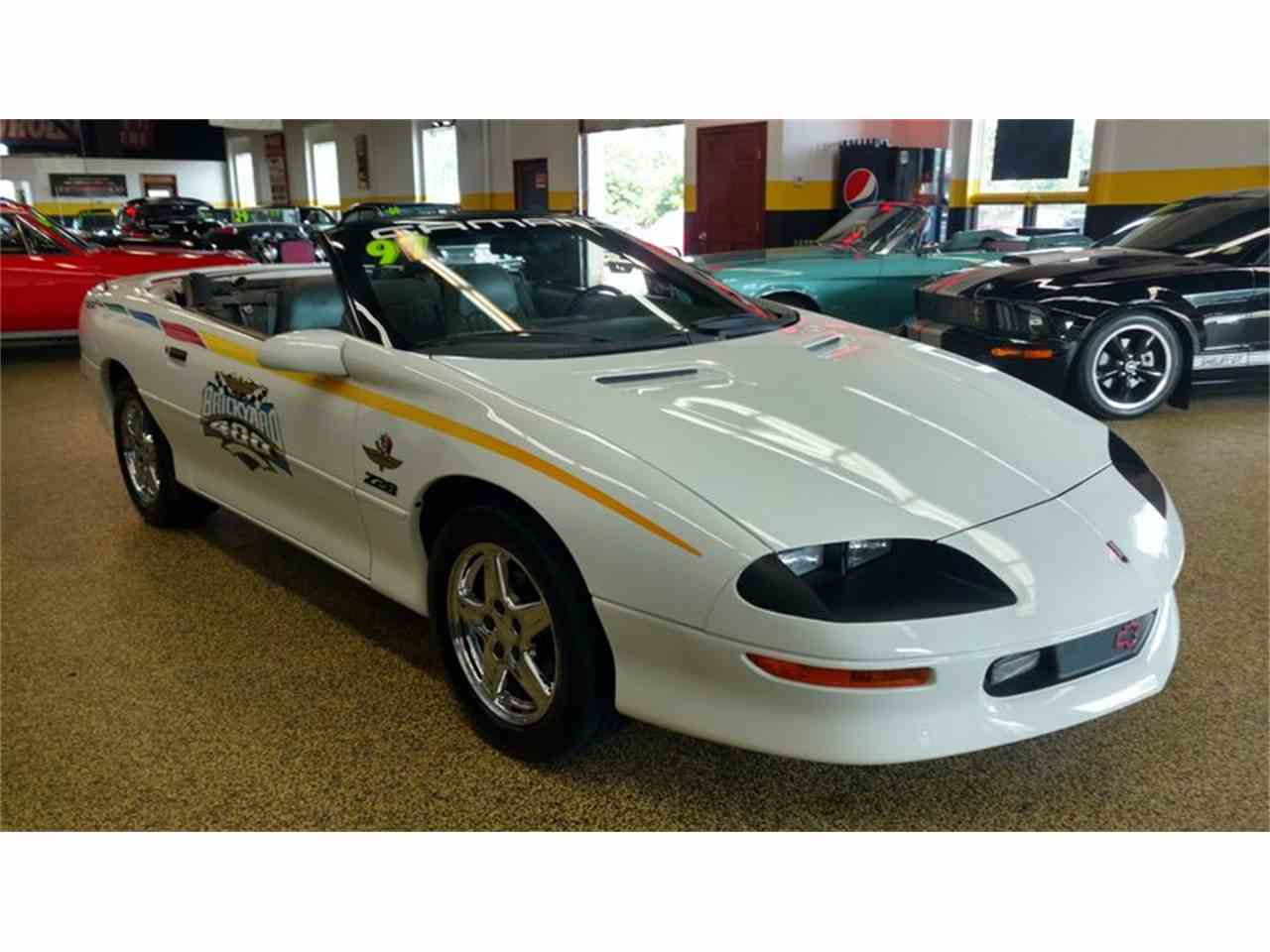 Large Picture of '97 Camaro Z28 Convertible Brickyard Pace Car - LV2N