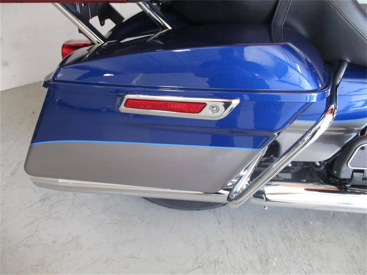 Large Picture of '17 Harley-Davidson® FLHTK - Ultra Limited - $23,833.00 - LVEH
