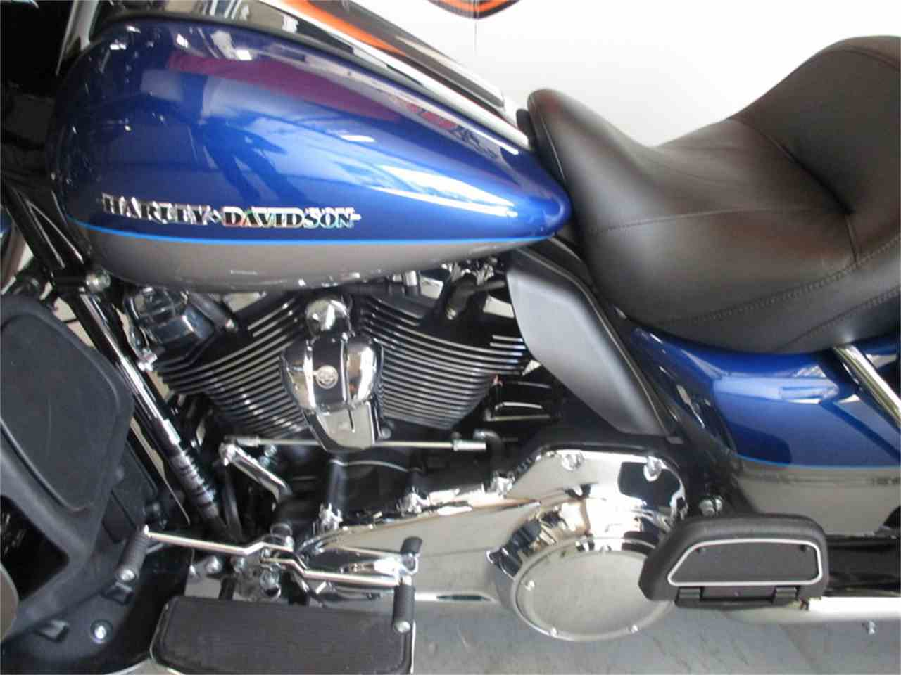 Large Picture of 2017 Harley-Davidson® FLHTK - Ultra Limited located in Thiensville Wisconsin - LVEH