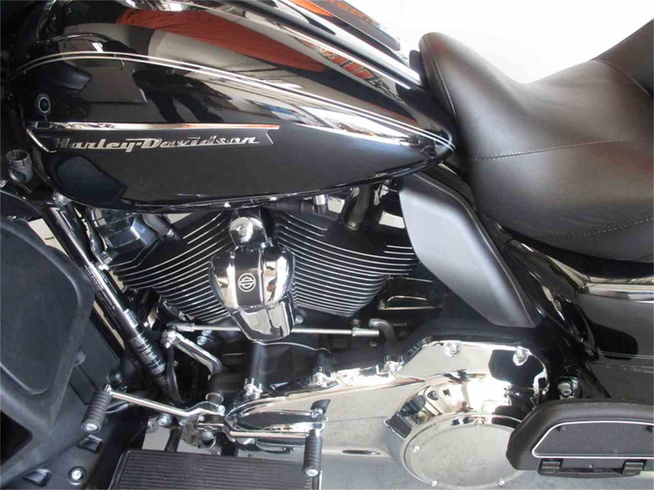 Large Picture of '17 FLTRU - Road Glide® Ultra - LVEI