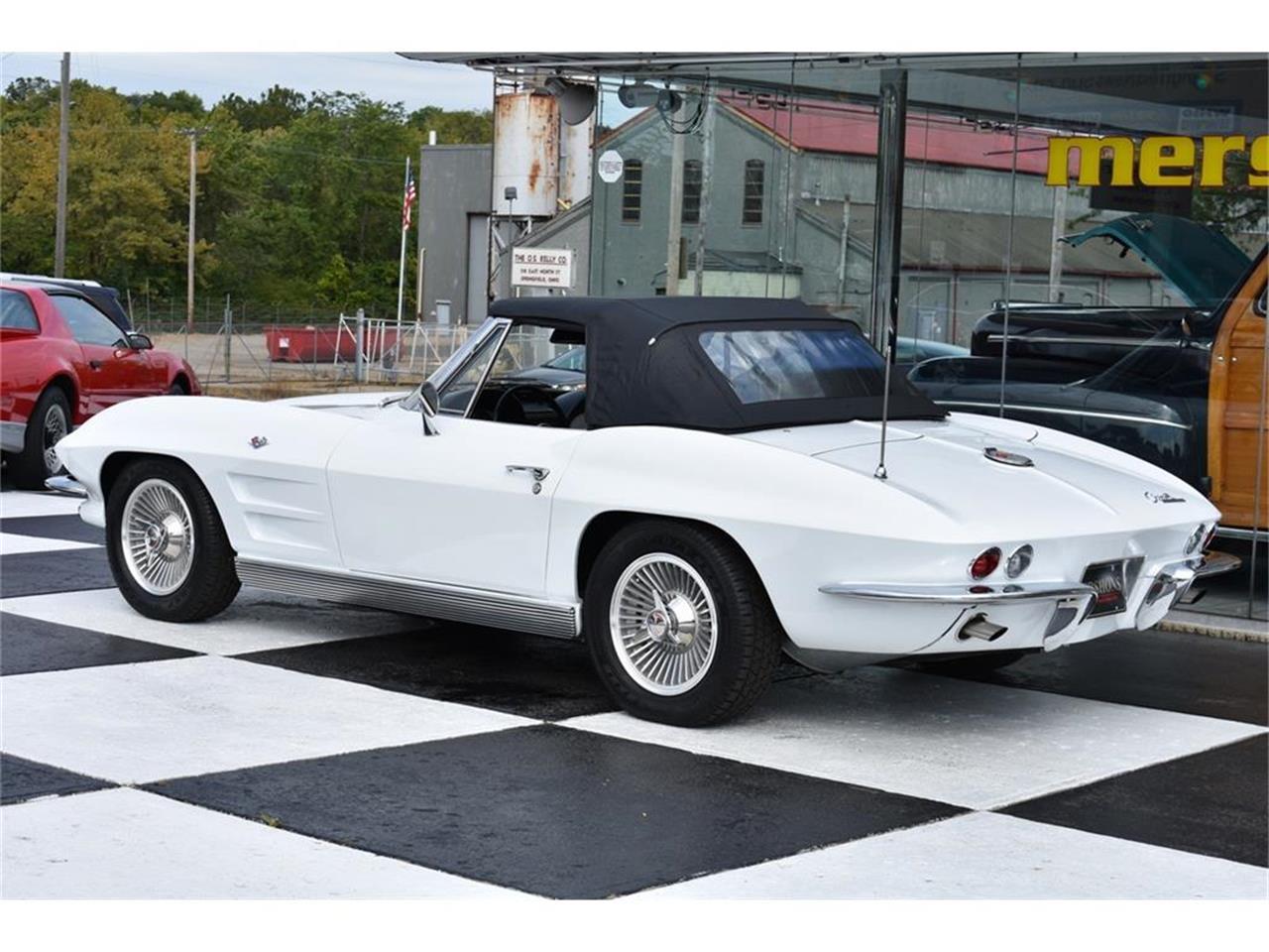 Large Picture of '63 Corvette - LVEZ
