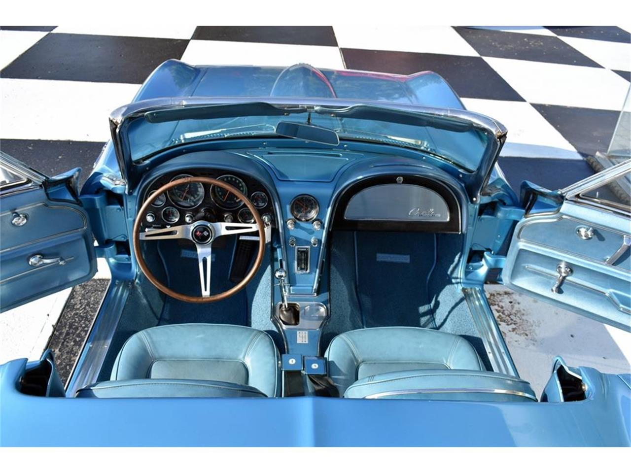 Large Picture of '65 Corvette - LVF3