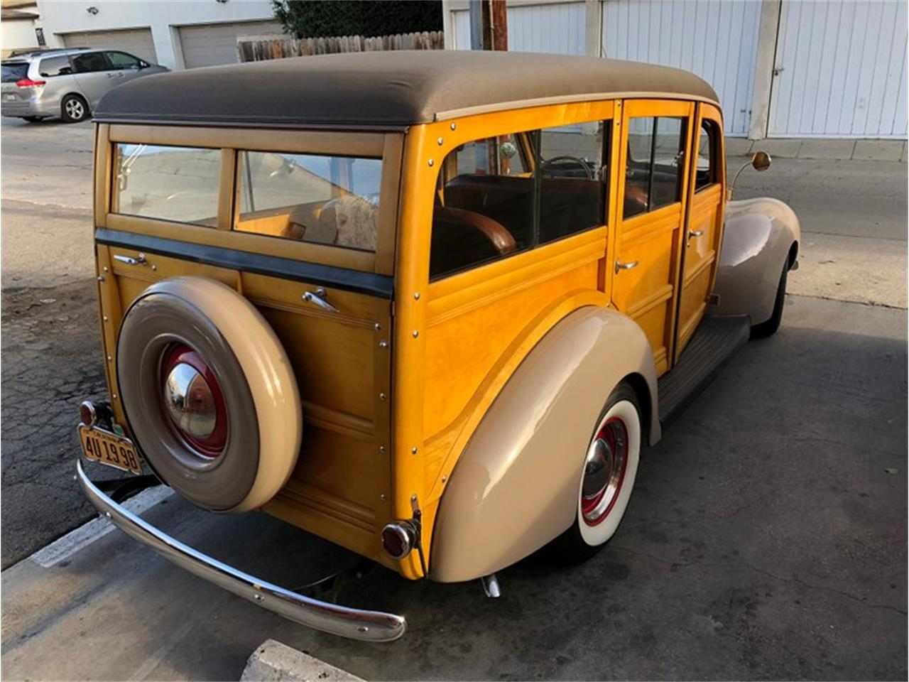 Large Picture of '40 Ford Deluxe Offered by Exclusive Motorcars - LVGZ