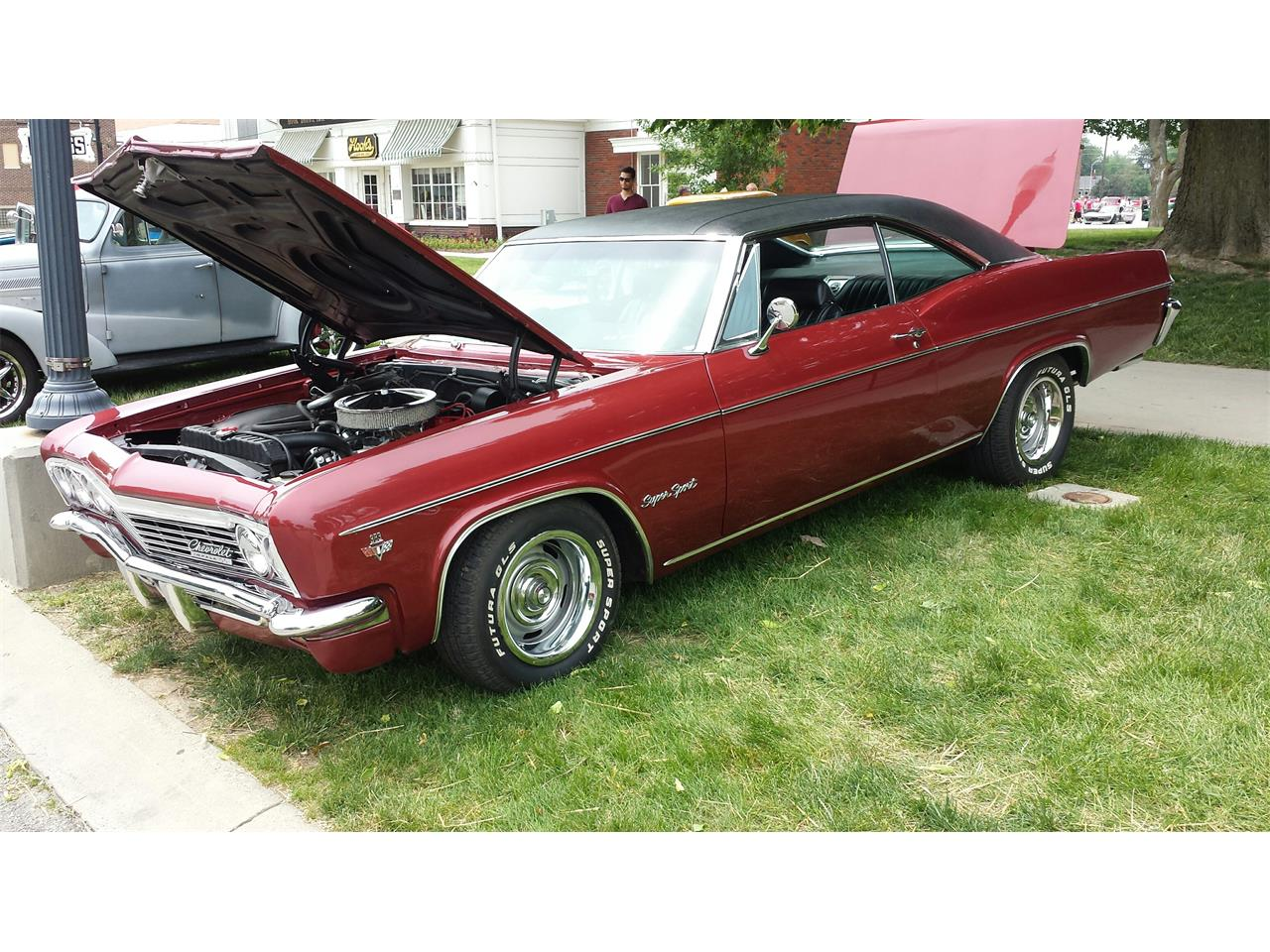 Large Picture of Classic '66 Chevrolet Impala SS located in Carmel Indiana - LVHH