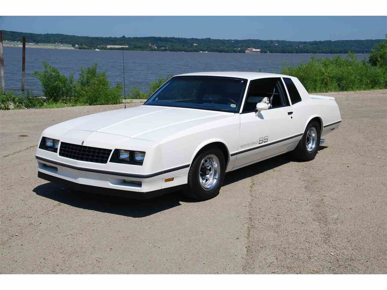 Large Picture of 1983 Chevrolet Monte Carlo SS located in East Peoria Illinois - $10,500.00 - LVHX