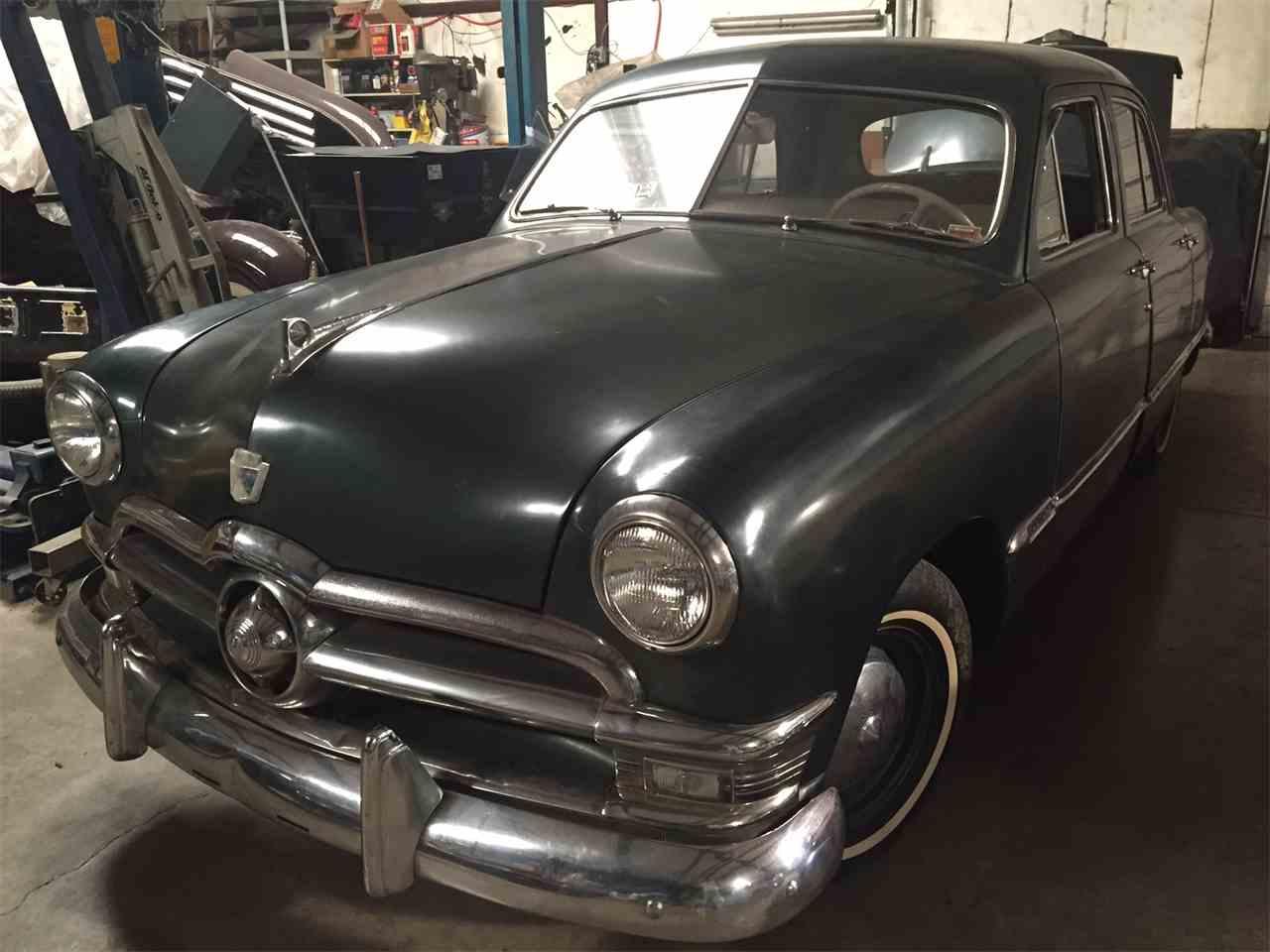 Large Picture of '51 Sedan - LVJN