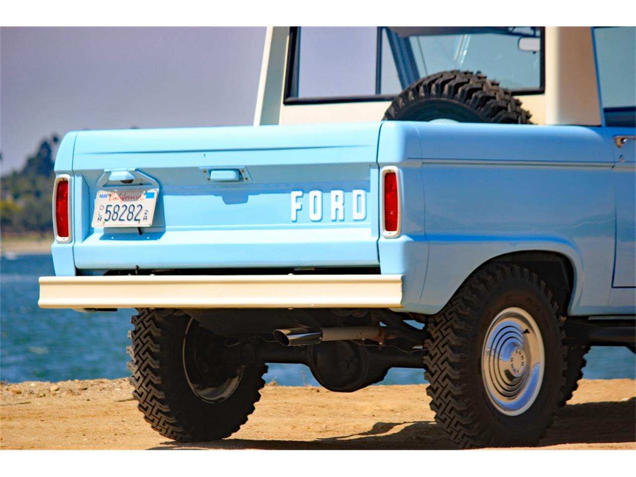 Large Picture of '66 Bronco - LVK3