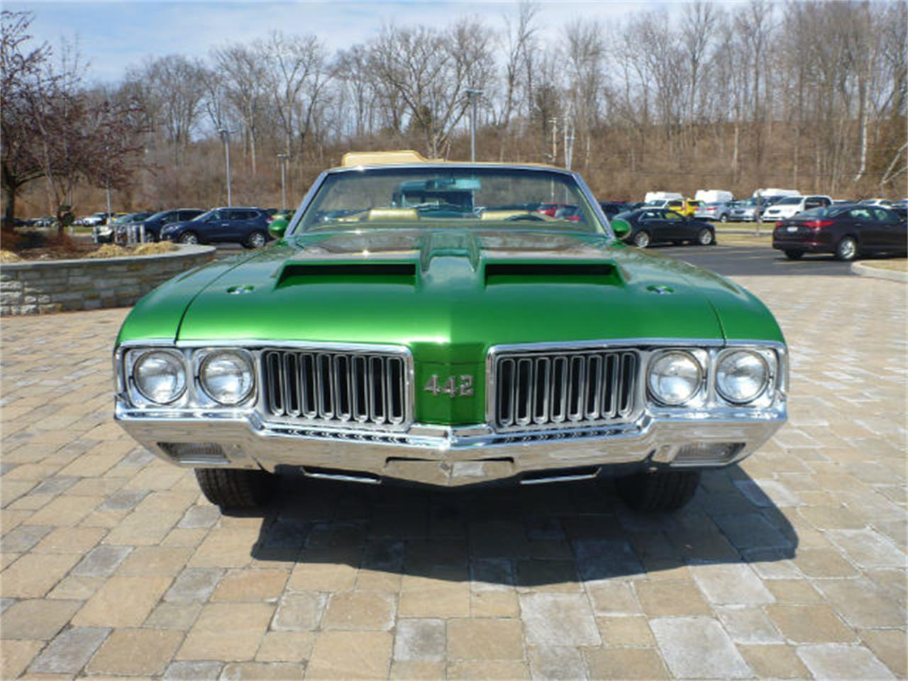 Large Picture of '70 Oldsmobile Cutlass 442 located in Ohio Offered by Wyler Collection - M0ML