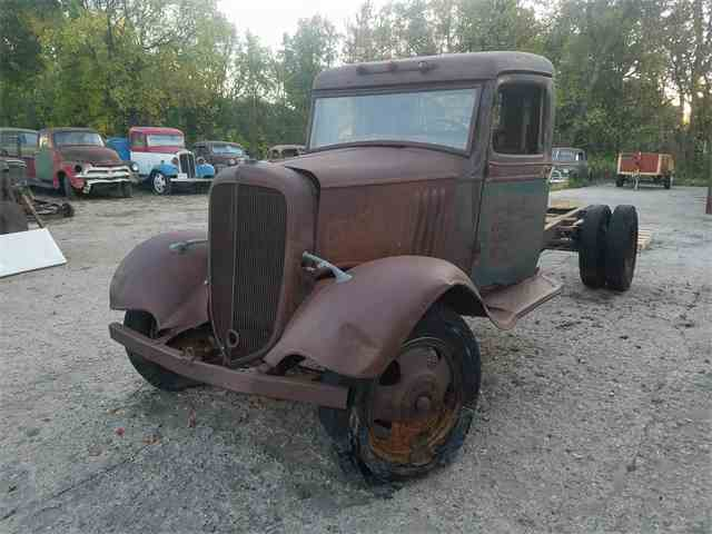 Picture of '35 1-1/2 Ton Pickup - M0XY