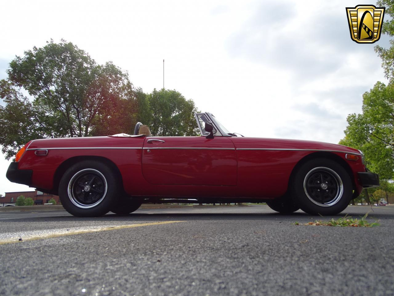 Large Picture of 1978 MG MGB located in Illinois - $11,995.00 Offered by Gateway Classic Cars - St. Louis - LVNA