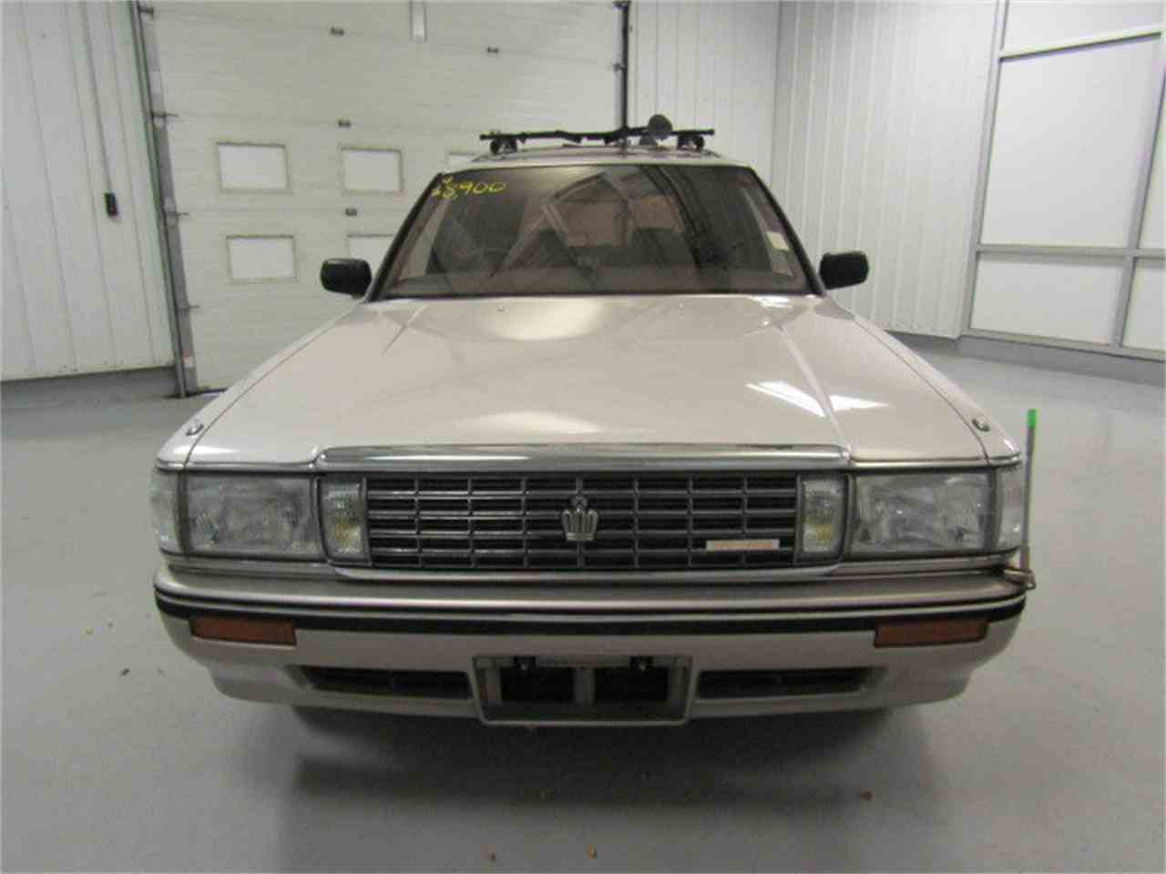 Large Picture of '89 Crown located in Virginia - $7,482.00 Offered by Duncan Imports & Classic Cars - LVOD