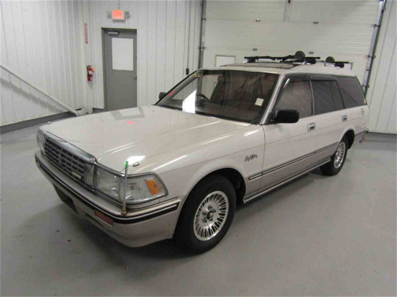 Large Picture of '89 Crown located in Virginia Offered by Duncan Imports & Classic Cars - LVOD