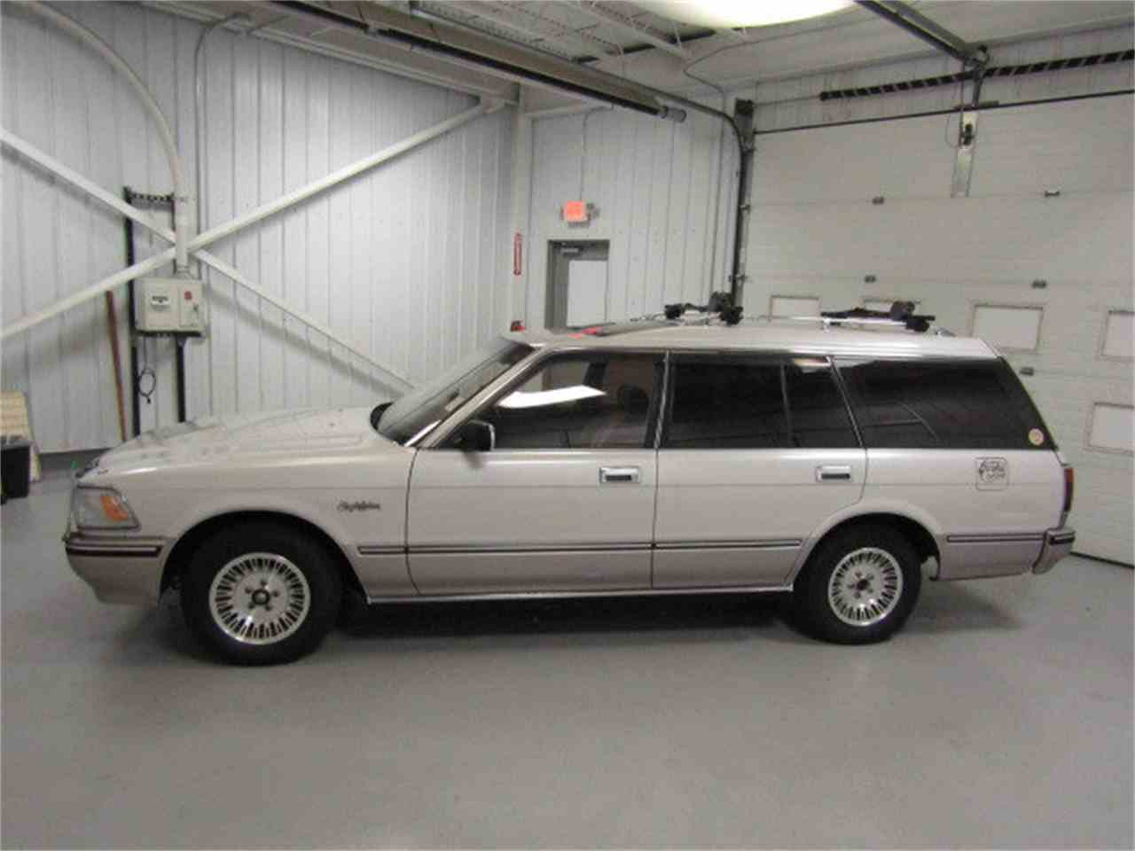 Large Picture of '89 Crown located in Christiansburg Virginia - $7,482.00 Offered by Duncan Imports & Classic Cars - LVOD