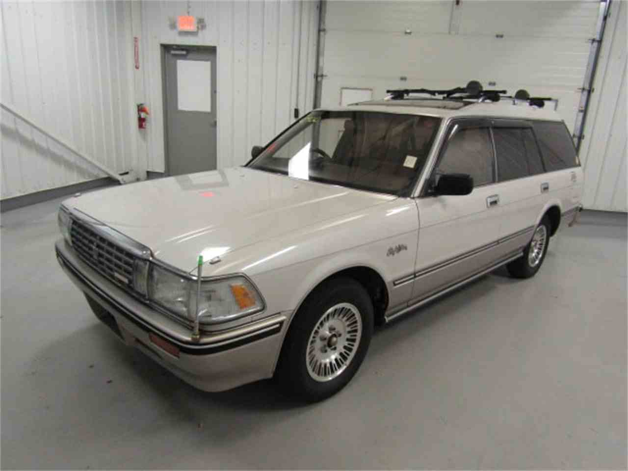 Large Picture of '89 Toyota Crown located in Virginia - $7,482.00 - LVOD