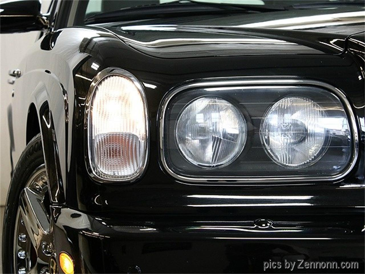 Large Picture of '04 Arnage - LVQ9