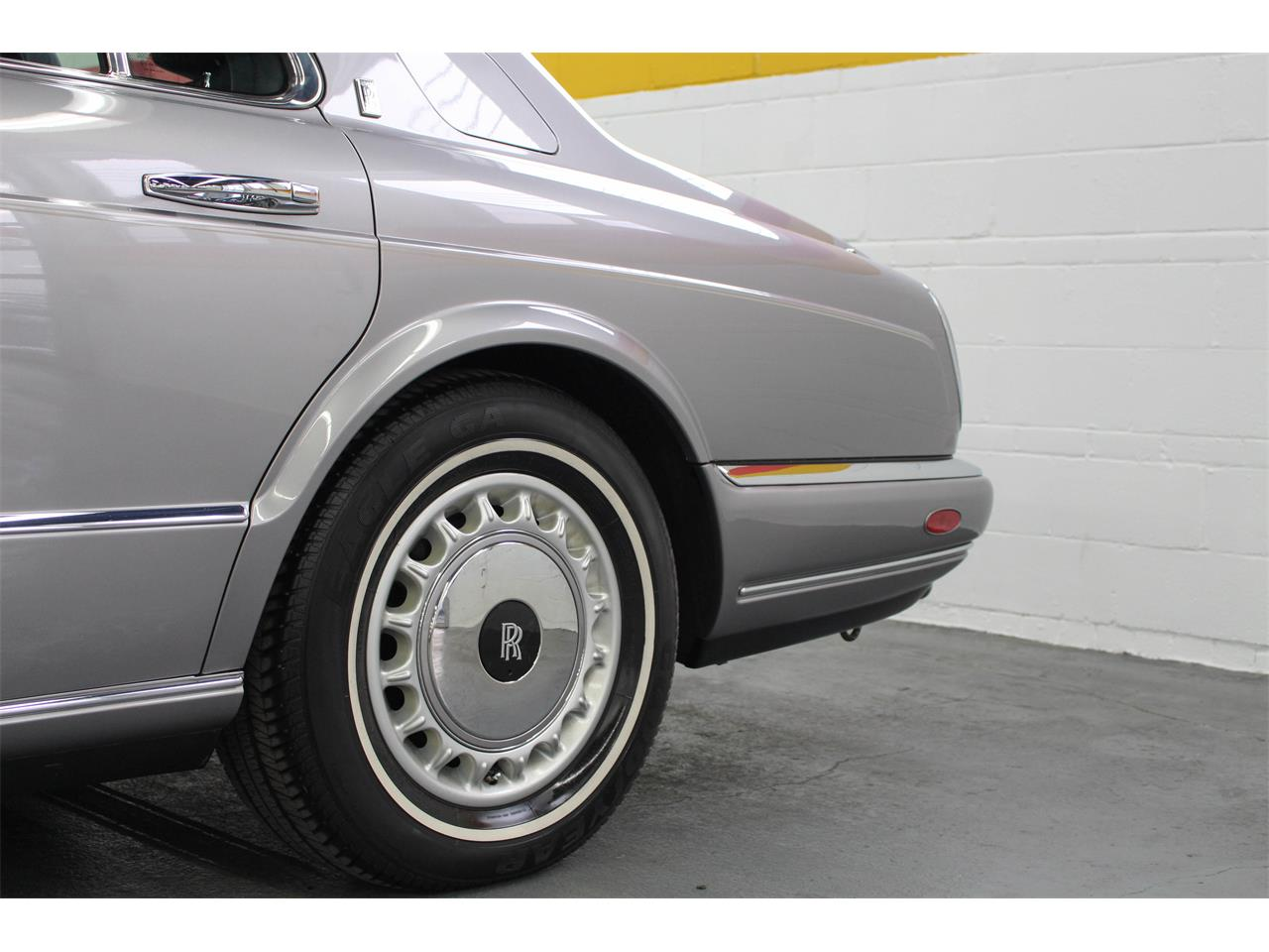 Large Picture of '99 Rolls-Royce Silver Seraph located in Quebec Offered by John Scotti Classic Cars - M1YP