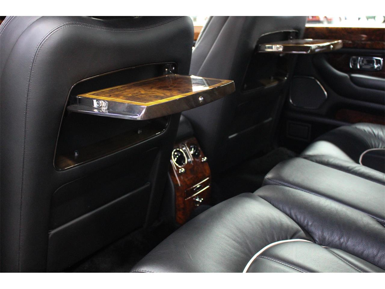 Large Picture of '99 Silver Seraph located in Montréal Quebec Offered by John Scotti Classic Cars - M1YP