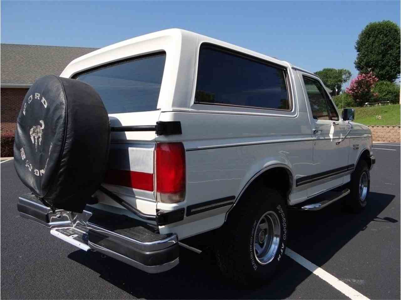 Large Picture of '87 Ford Bronco Auction Vehicle Offered by GAA Classic Cars Auctions - LVQS