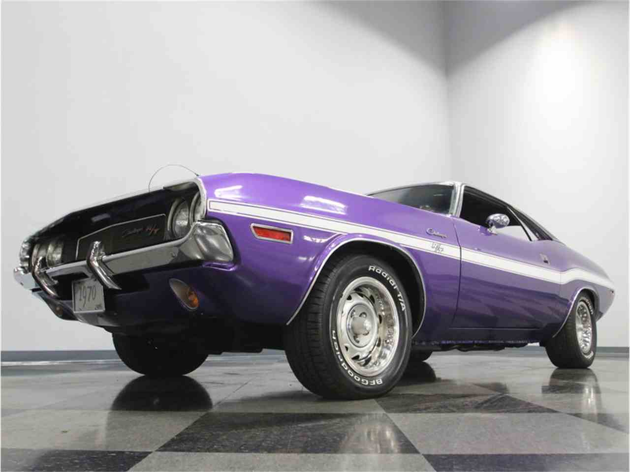 Large Picture of 1970 Dodge Challenger R/T - M29Z