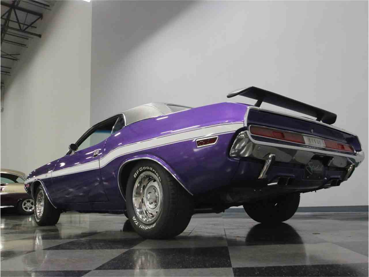 Large Picture of 1970 Challenger R/T - M29Z