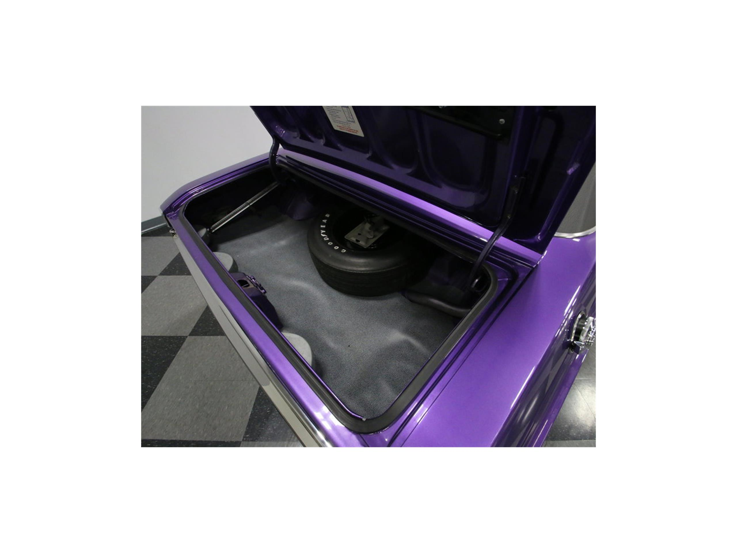 Large Picture of '70 Challenger R/T - M29Z