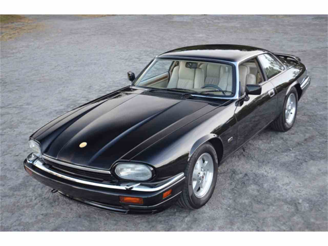 Large Picture of '94 Jaguar XJS - $19,800.00 Offered by Frazier Motor Car Company - M2J7
