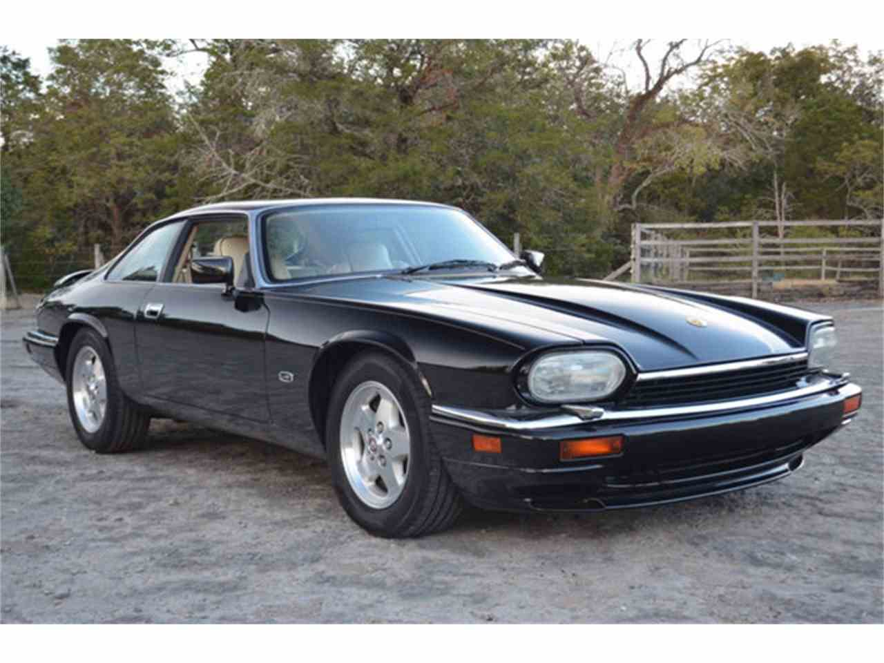 Large Picture of 1994 Jaguar XJS Offered by Frazier Motor Car Company - M2J7