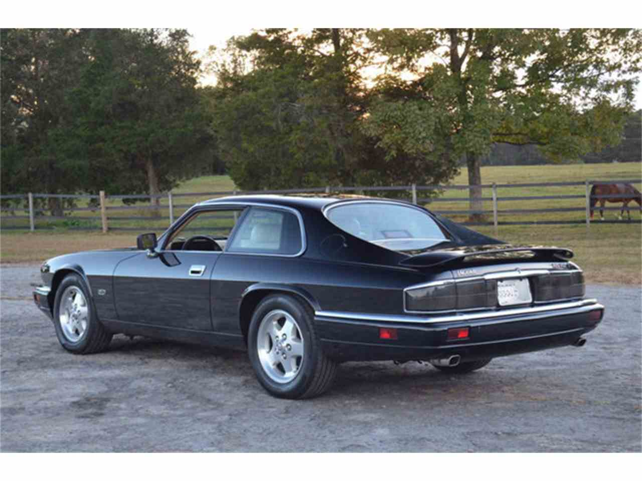 Large Picture of '94 XJS located in Lebanon Tennessee - $19,800.00 - M2J7