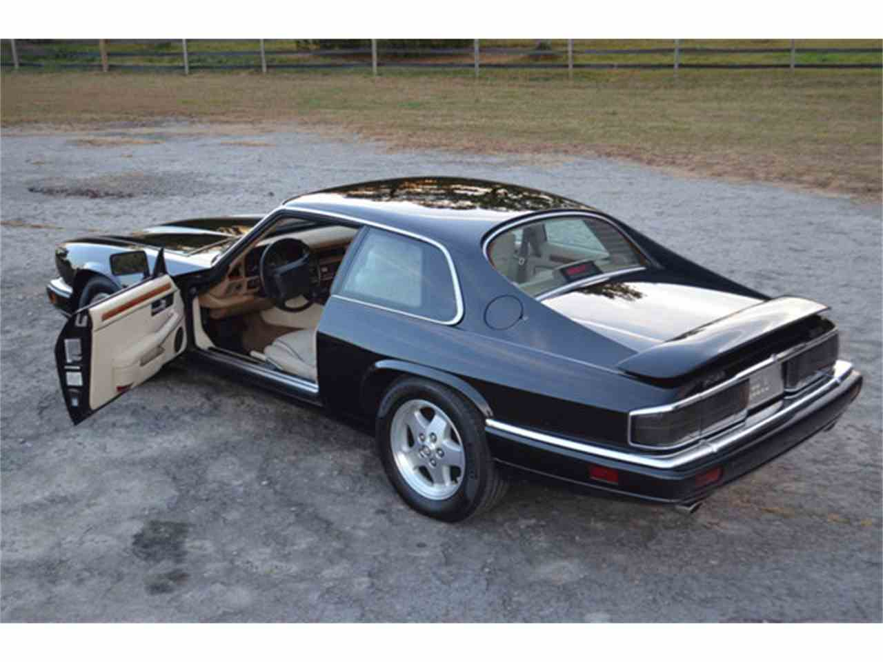 Large Picture of '94 Jaguar XJS located in Tennessee - $19,800.00 Offered by Frazier Motor Car Company - M2J7