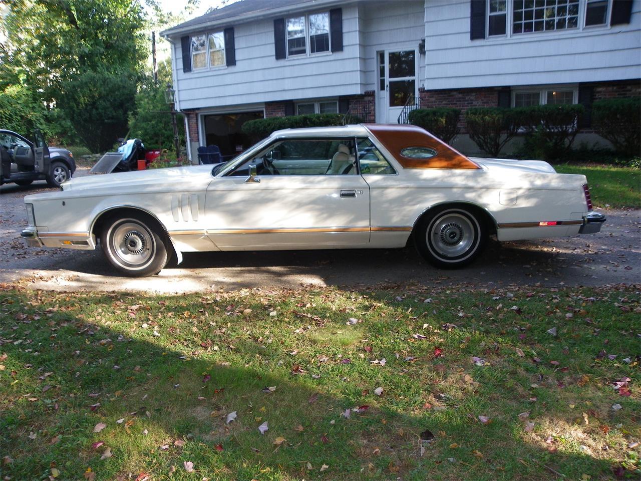 Large Picture of '77 Lincoln Mark V - $9,999.00 - M2JM