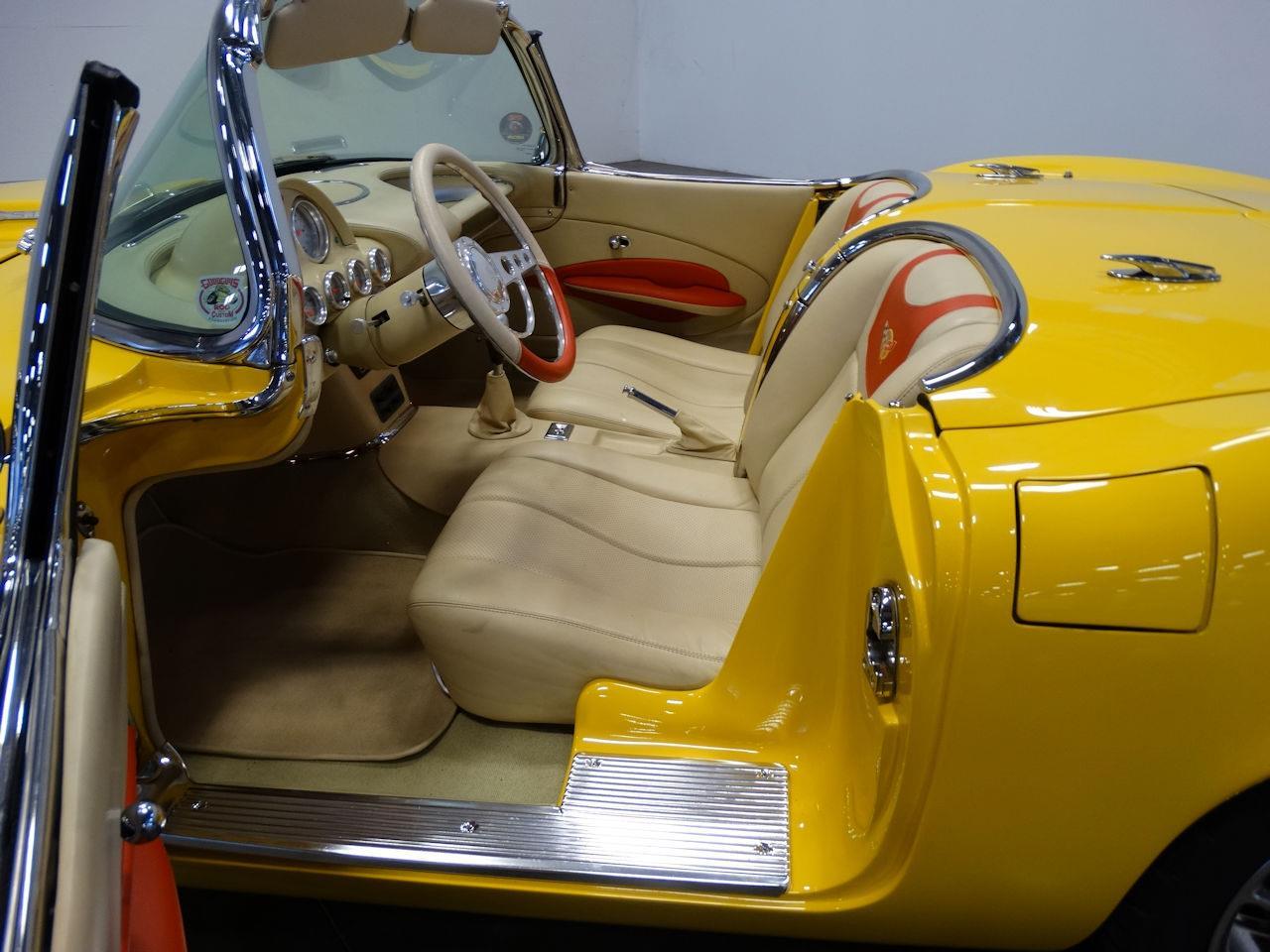 Large Picture of '62 Corvette - M2LR