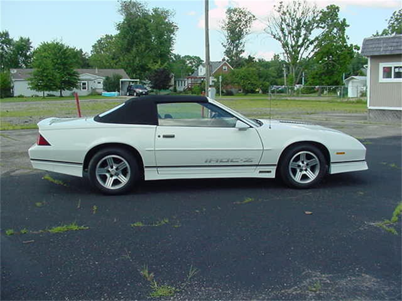 Large Picture of '89 Camaro IROC-Z - M3O2