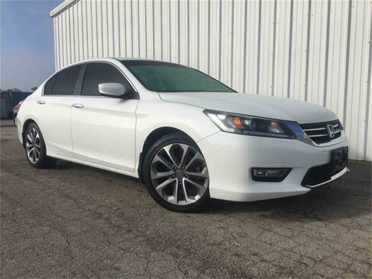 Large Picture of '13 Accord - M3VE