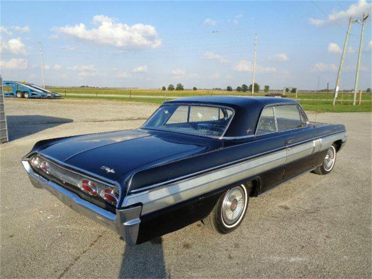 Large Picture of Classic 1962 Starfire - $18,450.00 Offered by Country Classic Cars - M43D