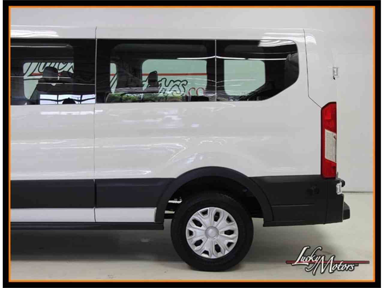 Large Picture of '16 Transit Wagon - M43N
