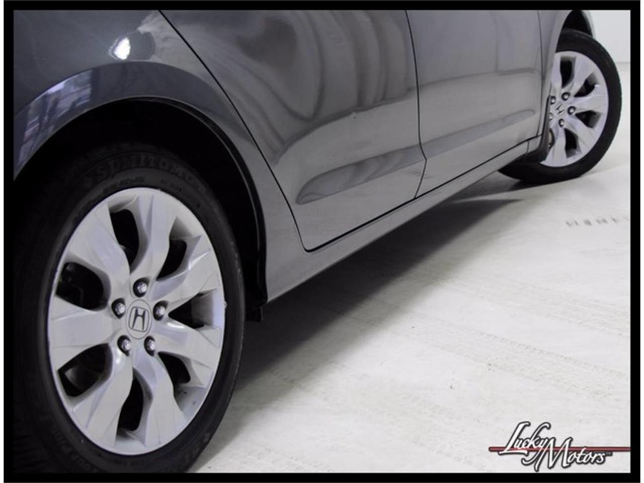 Large Picture of '10 Honda Accord located in Elmhurst Illinois - M4E6