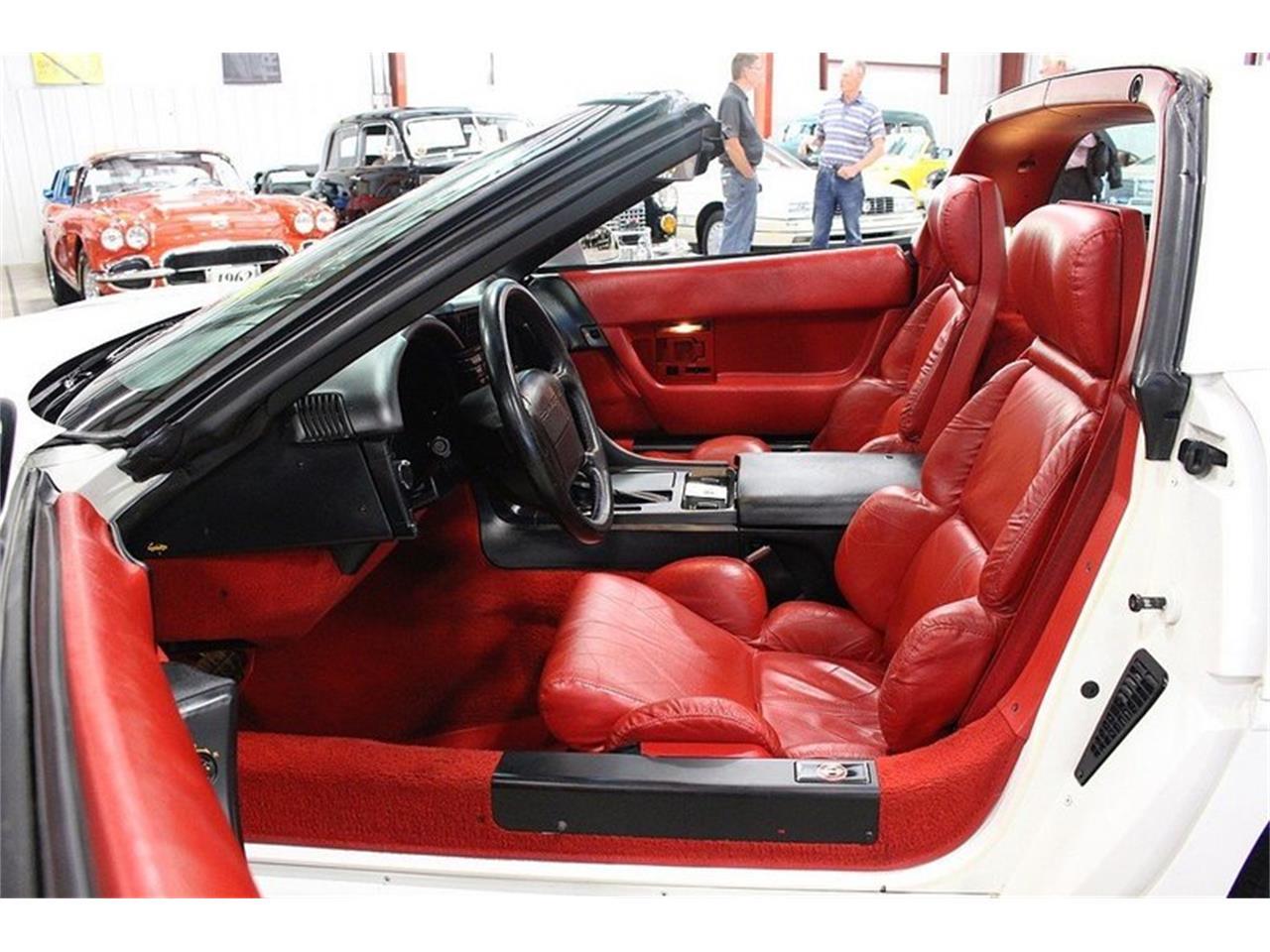 Large Picture of '92 Corvette - M4J6