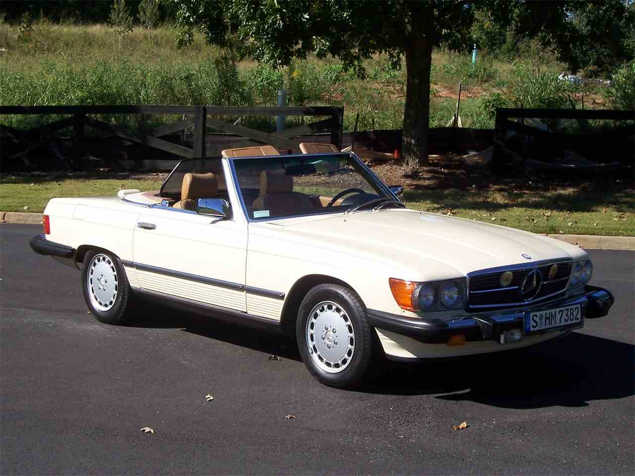 Large Picture of 1989 Mercedes-Benz 560SL located in Georgia - M4KP
