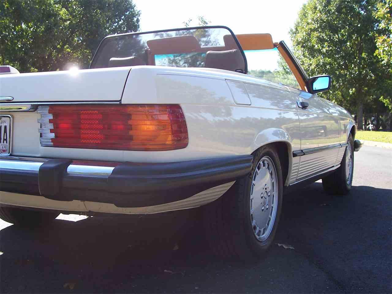Large Picture of '89 Mercedes-Benz 560SL located in Alpharetta Georgia - M4KP
