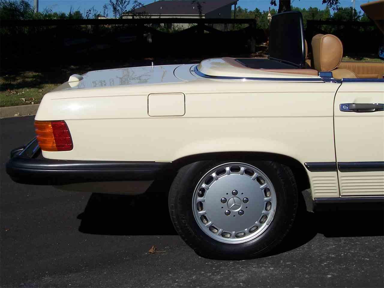 Large Picture of '89 Mercedes-Benz 560SL located in Alpharetta Georgia - $29,900.00 - M4KP