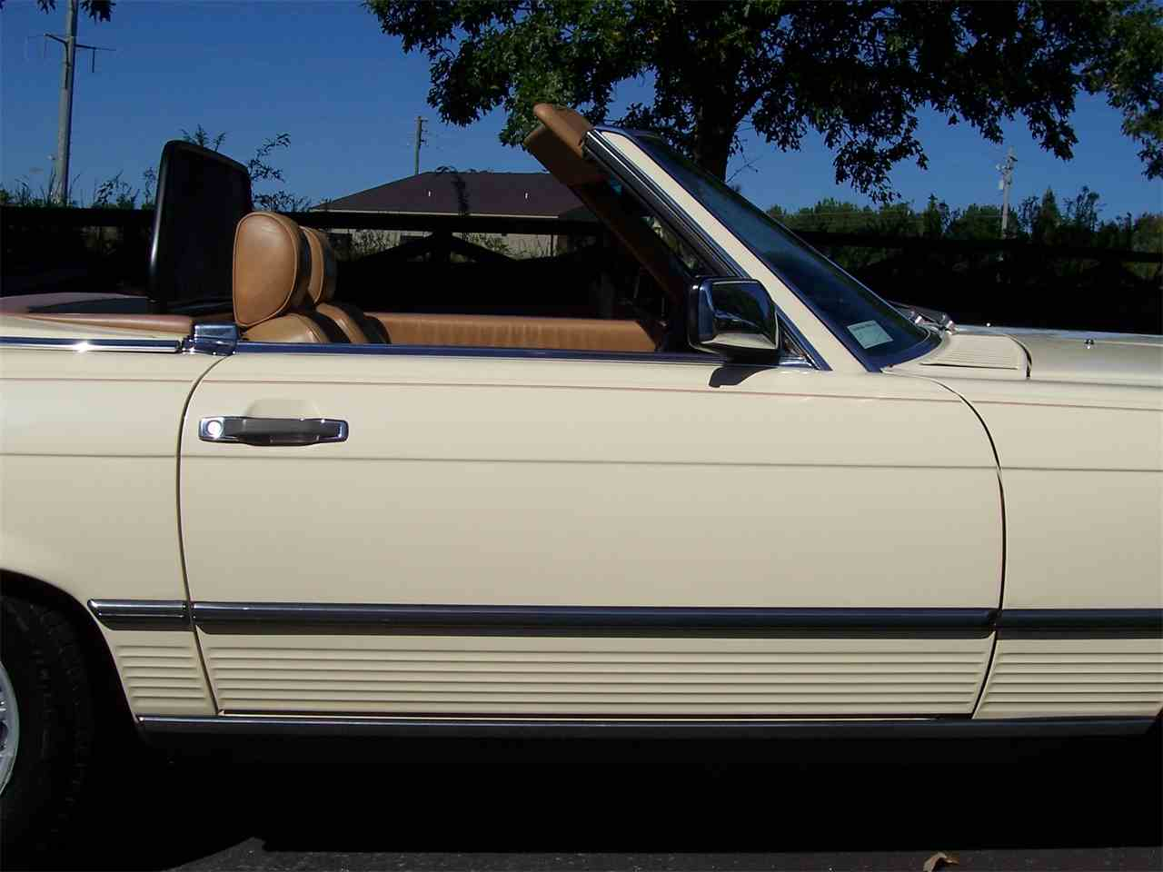 Large Picture of '89 Mercedes-Benz 560SL - M4KP