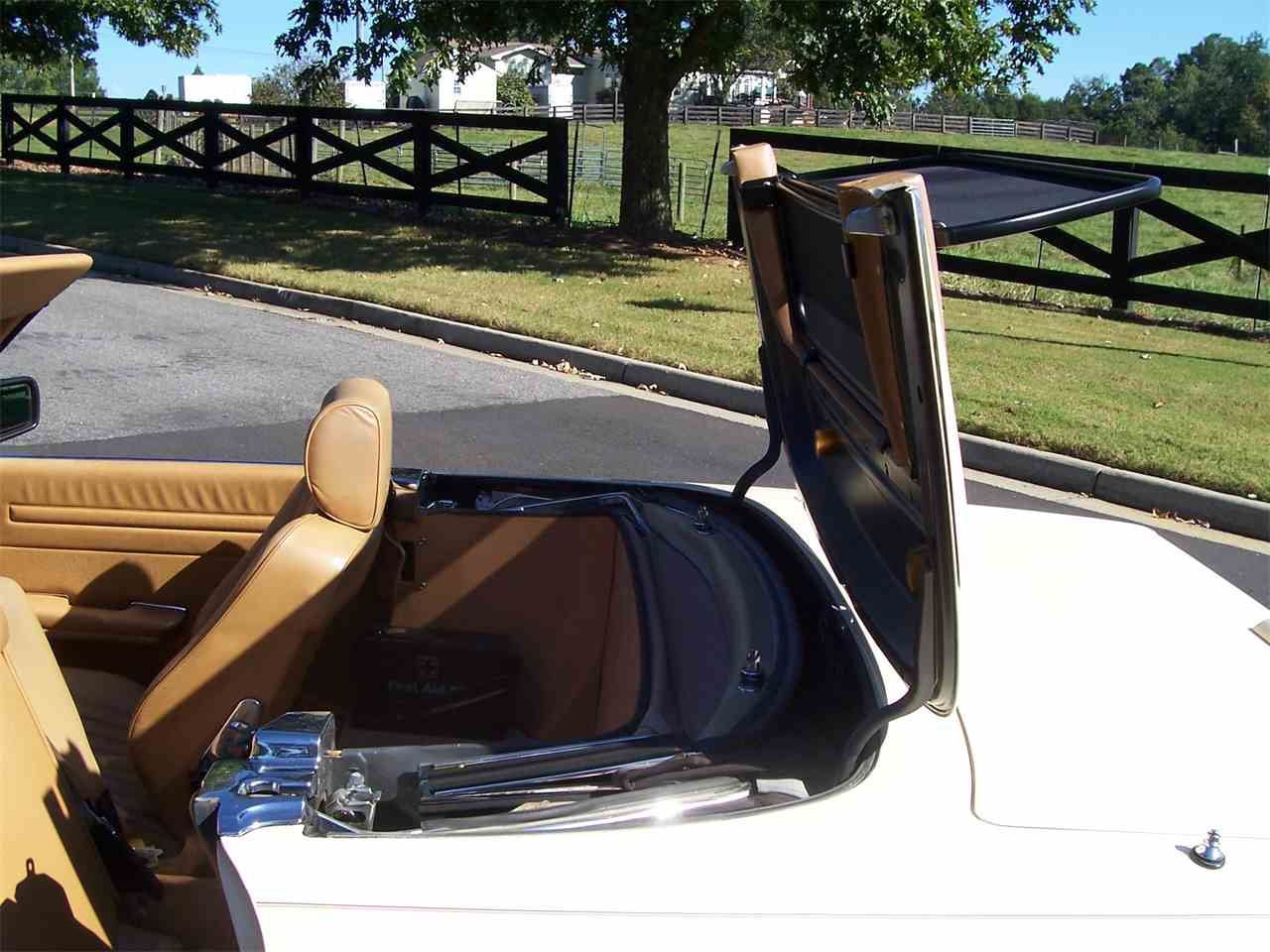 Large Picture of '89 Mercedes-Benz 560SL located in Alpharetta Georgia Offered by Cloud 9 Classics - M4KP