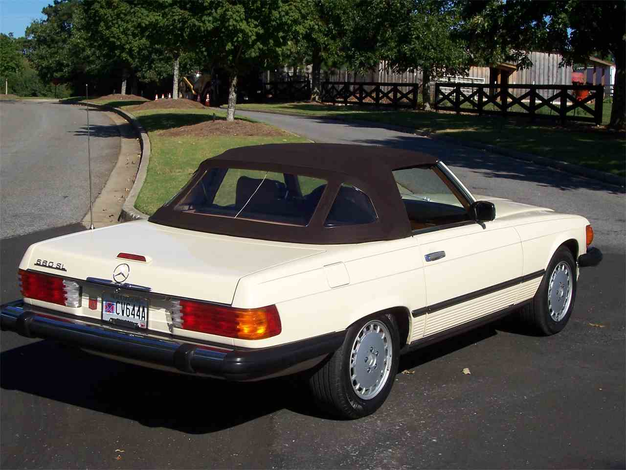 Large Picture of '89 560SL located in Alpharetta Georgia - $29,900.00 Offered by Cloud 9 Classics - M4KP