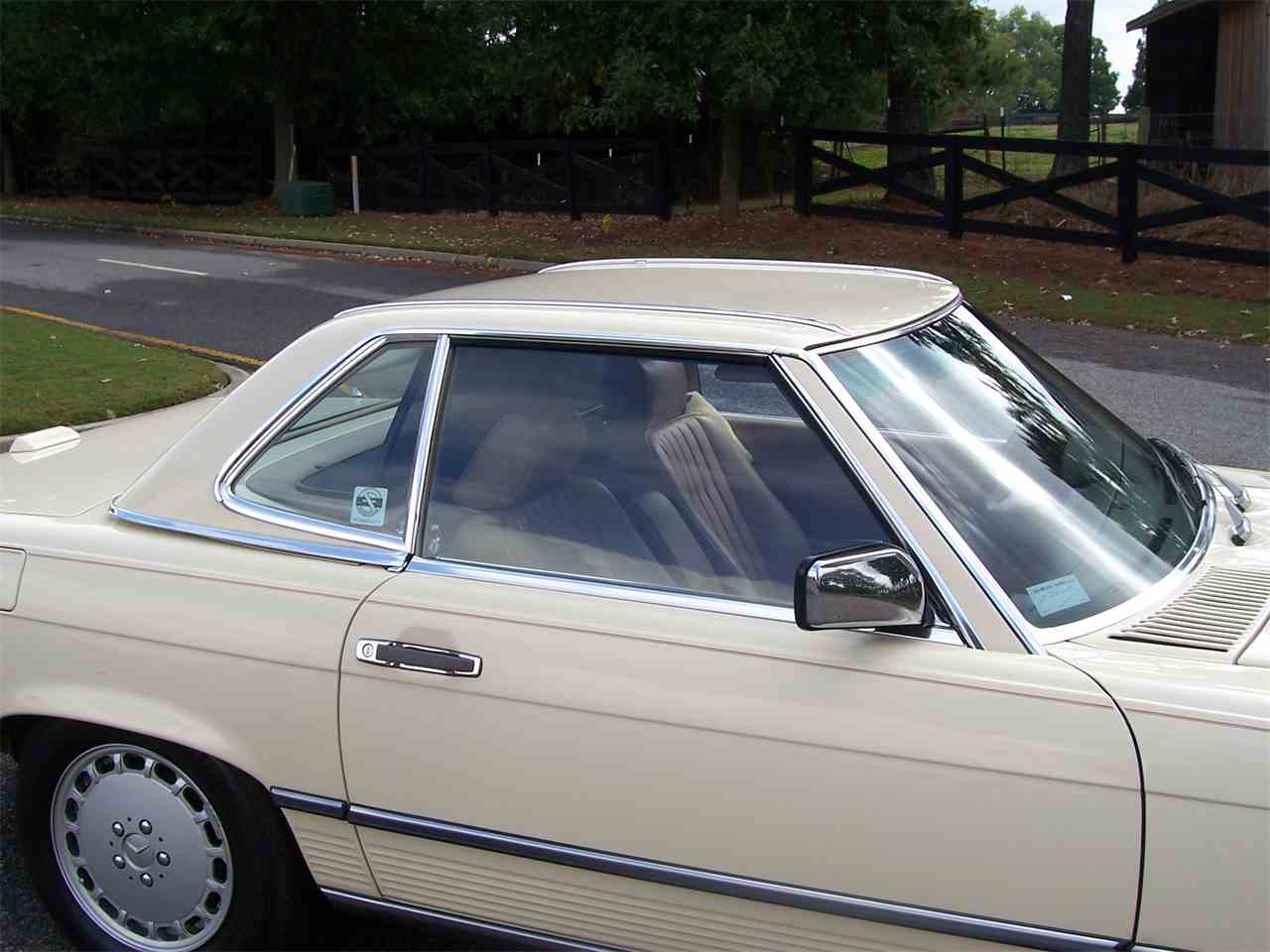 Large Picture of 1989 560SL located in Georgia - $29,900.00 - M4KP