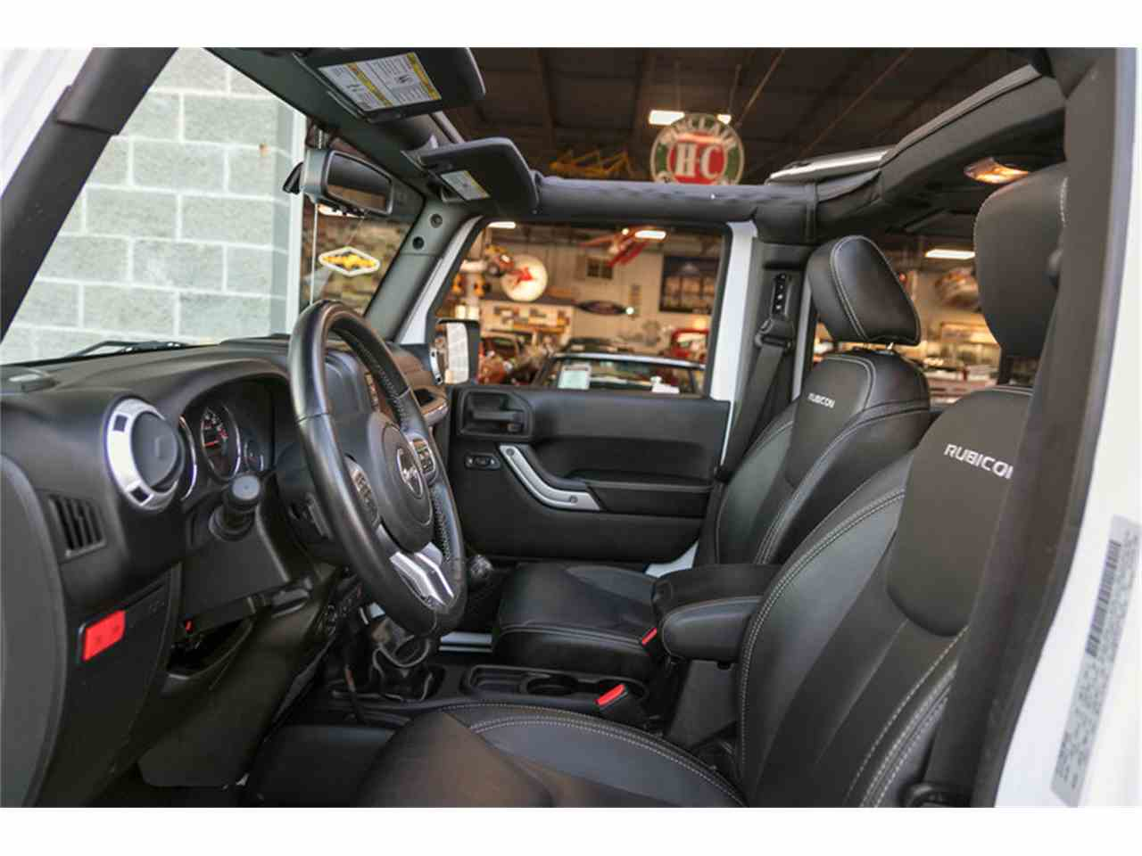 Large Picture of '15 Jeep Wrangler - $29,995.00 - M4VI